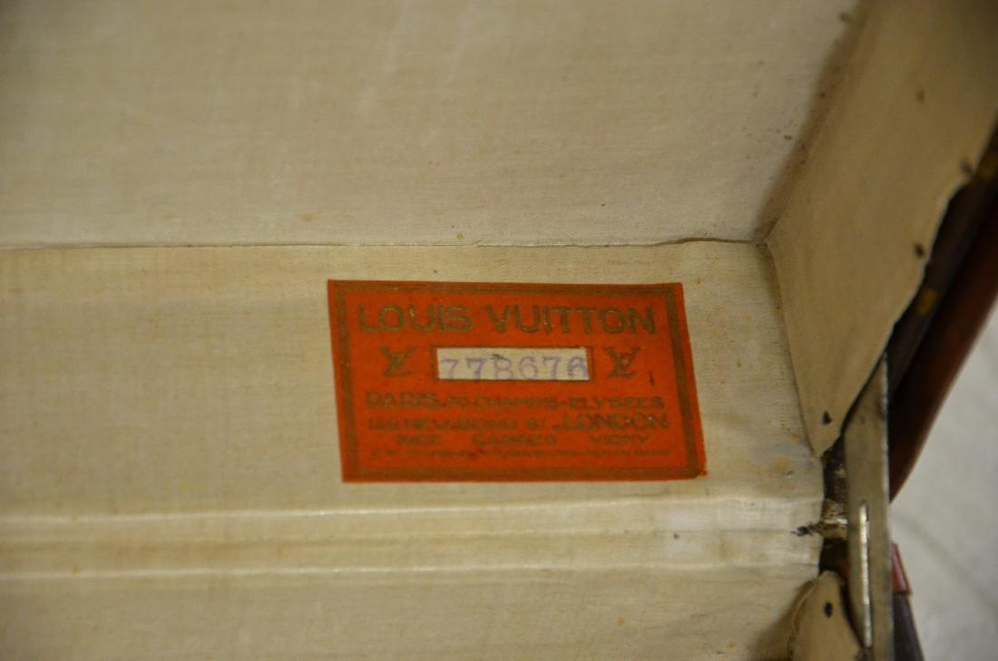 Louis Vuitton 70 size suitcase - 4