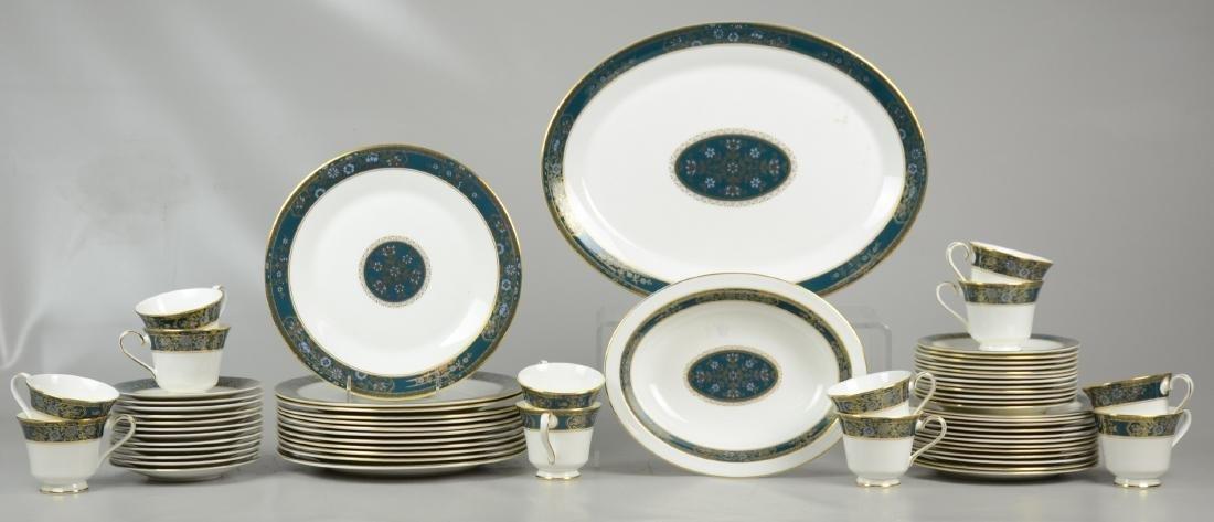 (61) Pcs Royal Doulton Carlyle Dinnerware