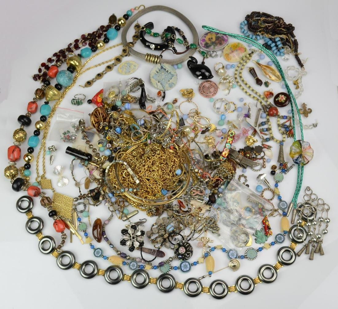 Costume Jewelry Necklaces, Earrings, and Pearls