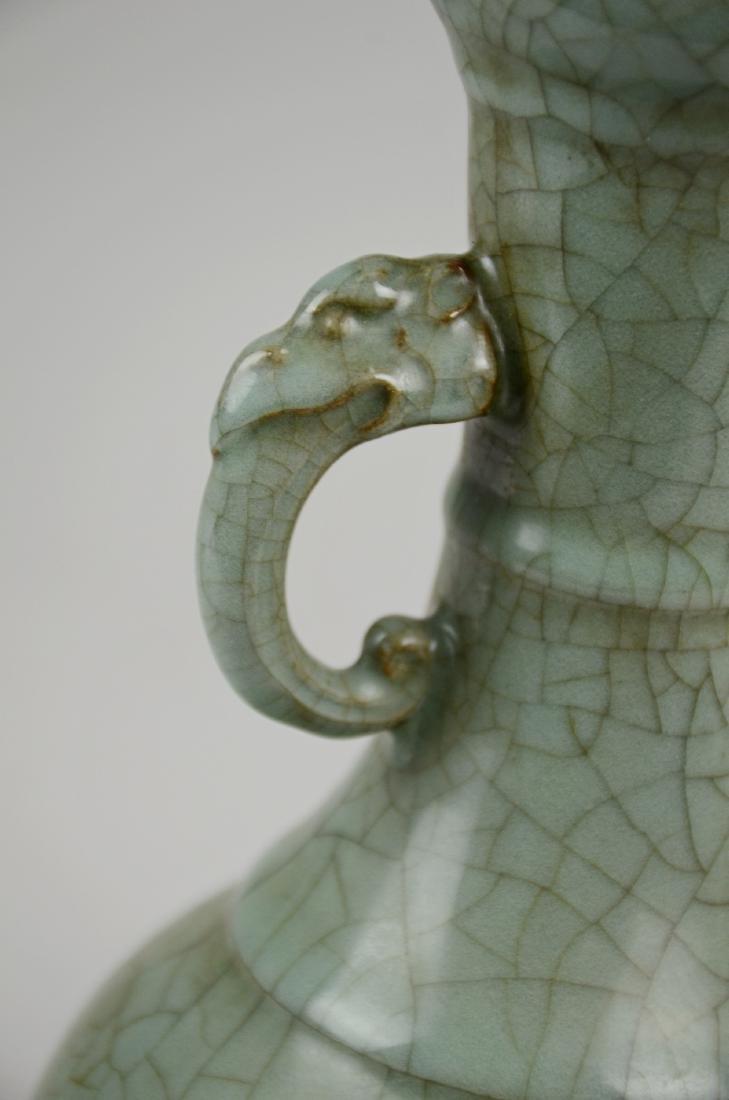 Chinese celadon pottery crackle glaze vase - 3