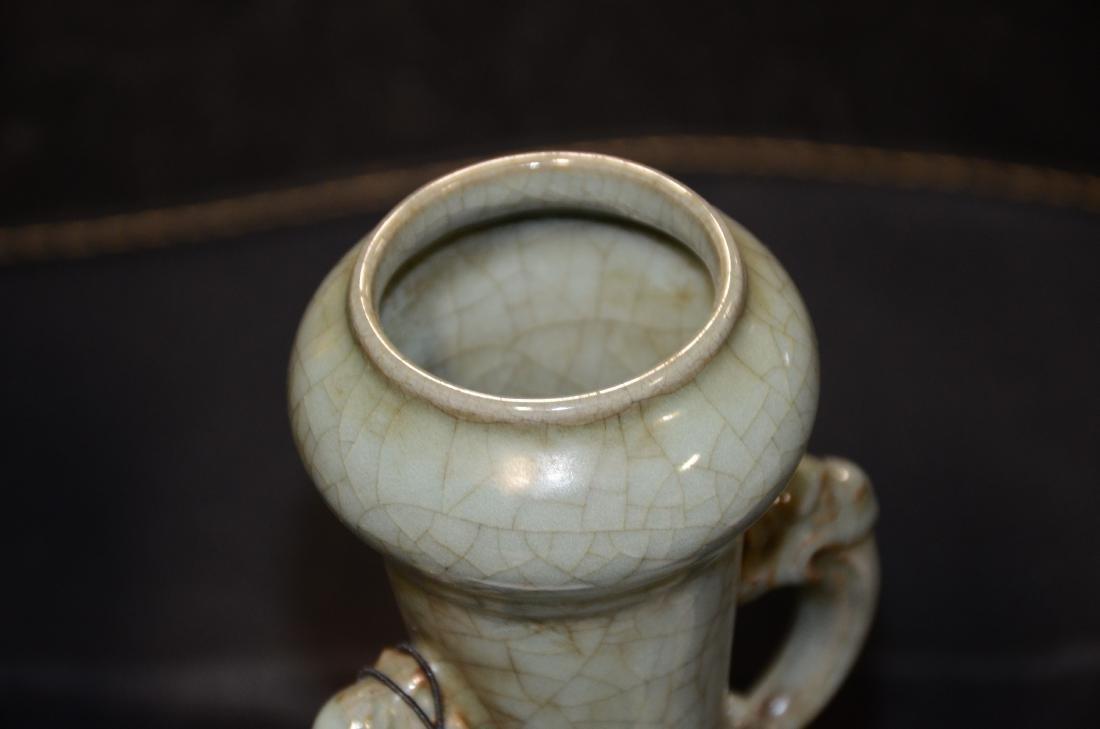 Chinese celadon pottery crackle glaze vase - 4