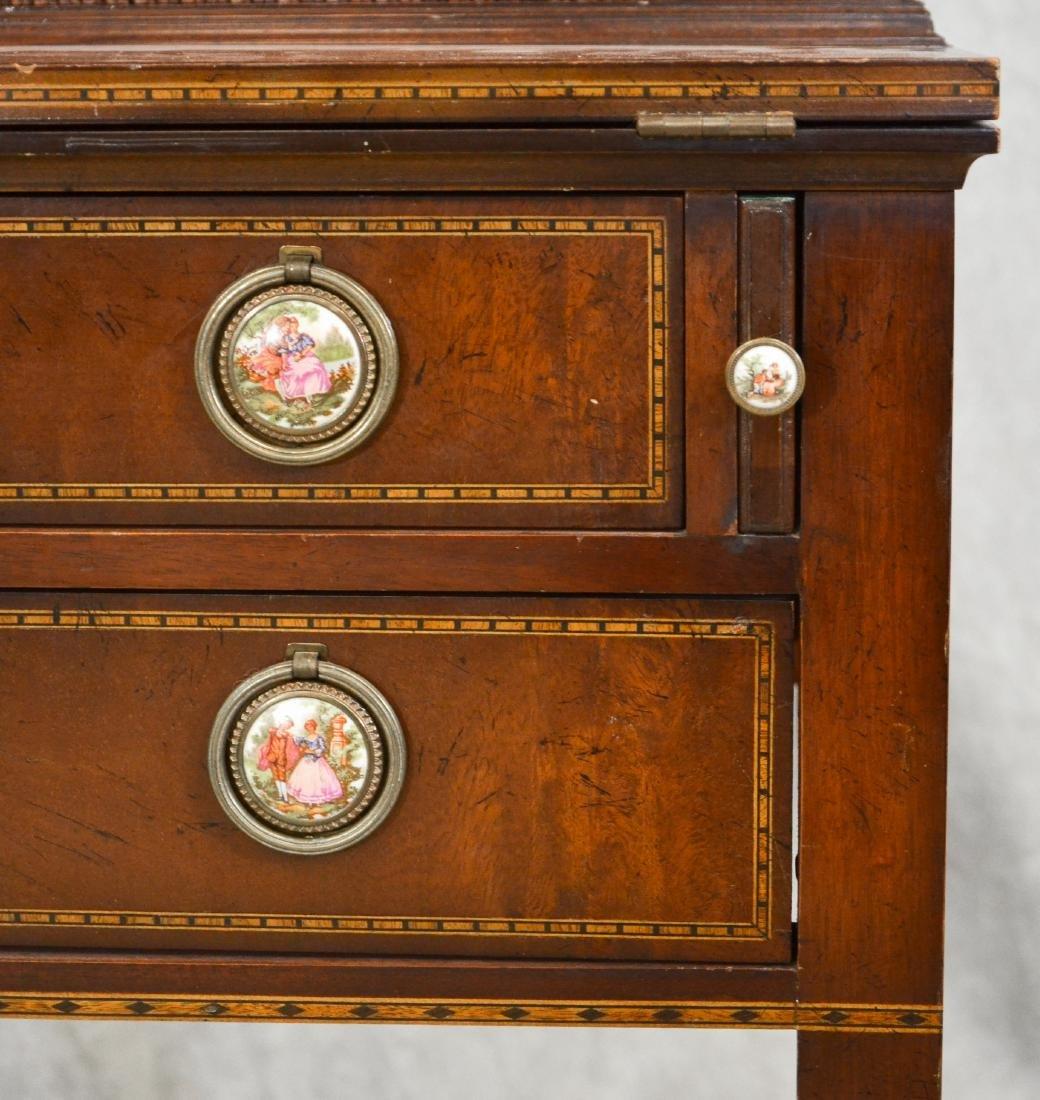 Inlaid Mahogany Hepplewhite style Secretary Desk - 4