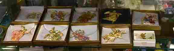 Shelf  104  9 The MET Christmas Ornaments