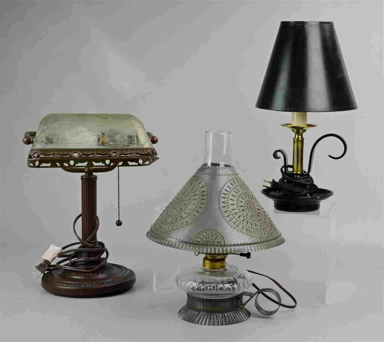 Desk and (2) Table Lamp