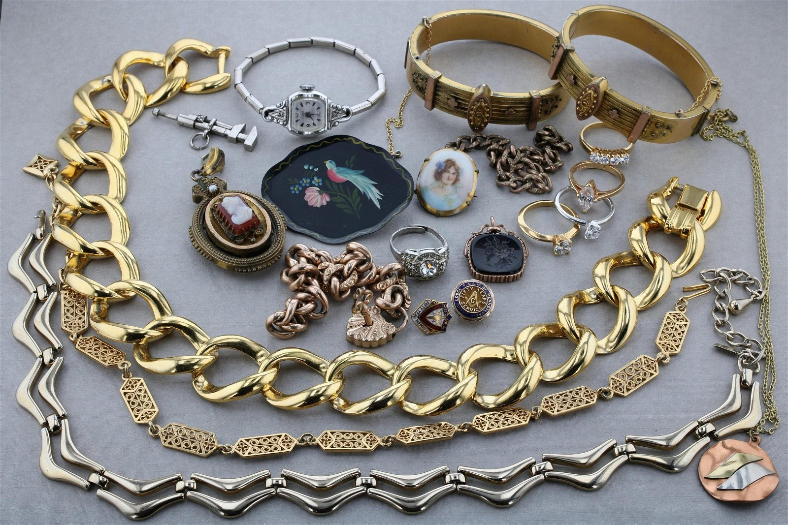 (21) Pcs Victorian and Fashion Jewelry