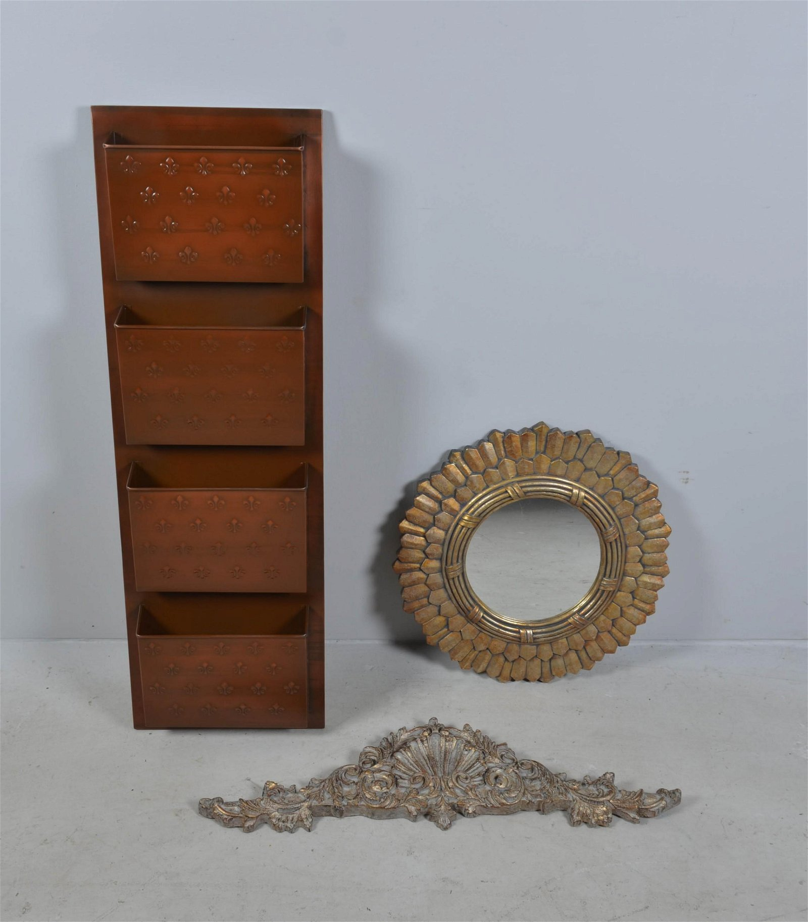 Mirror, Wallhanging and Magazine Rack