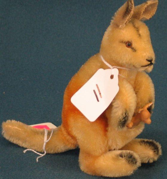 """11: 6"""" x 5 1/2 """" Kangaroo, """"Linda"""", no tag, no button w"""
