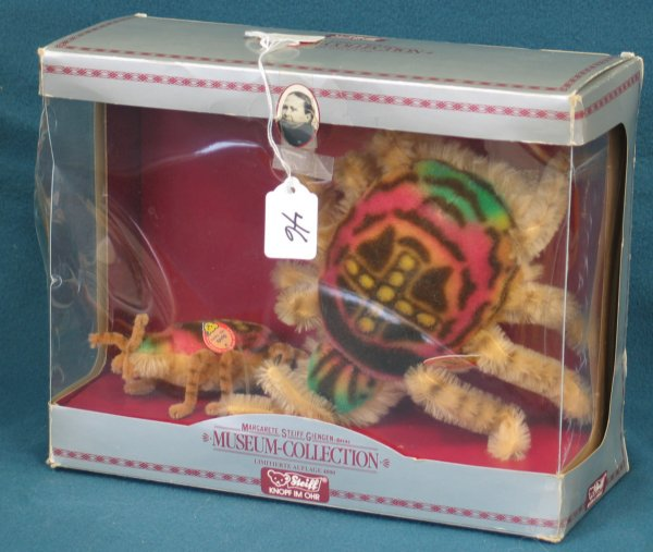 46: Spiders Boxed Set, Reproduction of 1960 toy