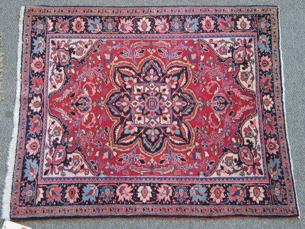 11: 4.0 x 4.7 Heriz throw rug