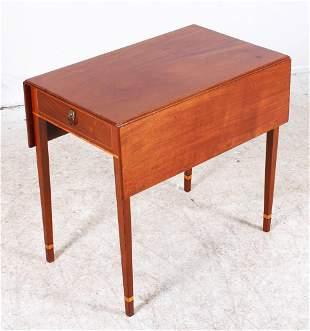 Georgian Mahogany pembroke table with drawer