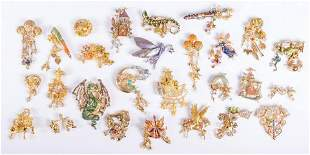 (27) Pc lot of Magical and Fantasy Brooches