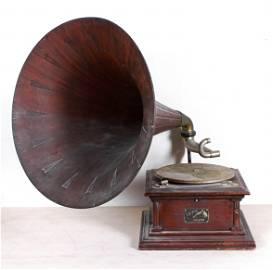 Mahogany Victor Vic-IV tabletop disc record player