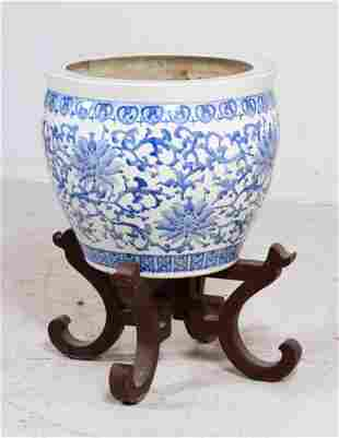 Chinese Blue & White Porcelain Cache Pot