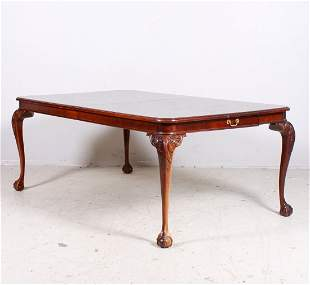 Bernhardt Chippendale style mahogany dining table