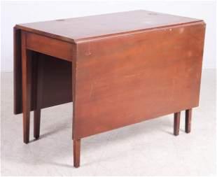 Mahogany Hepplewhite style drop leaf table