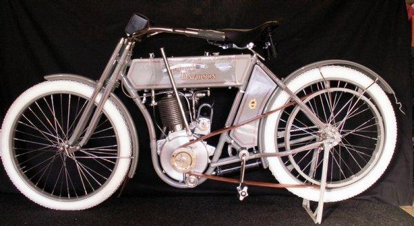 123: 1910 Harley-Davidson Model 6A - single cylinder  3