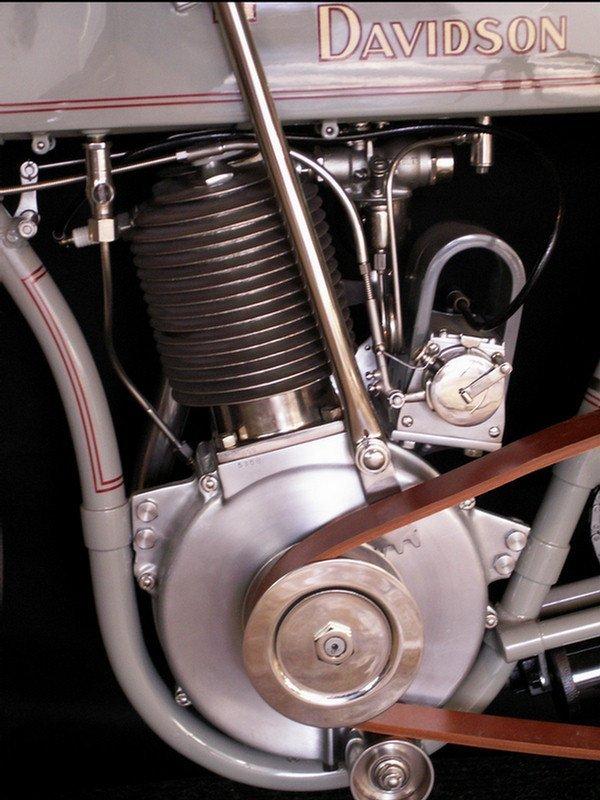 123: 1910 Harley-Davidson Model 6A - single cylinder  3 - 2