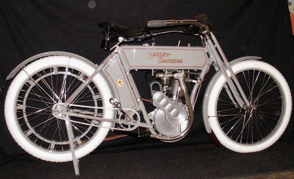 123: 1910 Harley-Davidson Model 6A - single cylinder  3 - 4