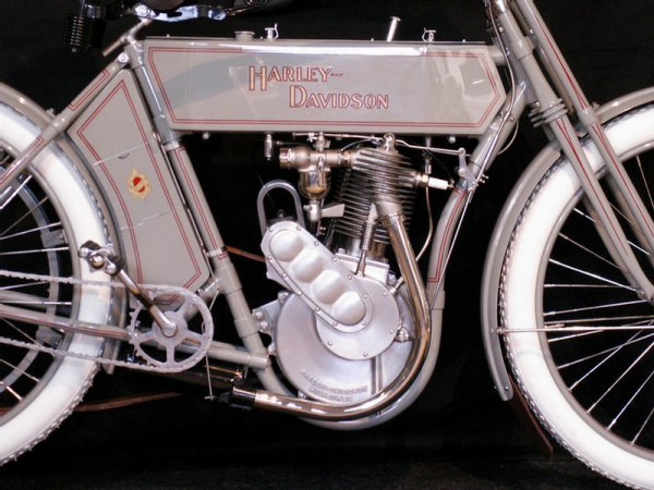 123: 1910 Harley-Davidson Model 6A - single cylinder  3 - 5
