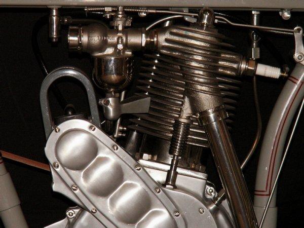 123: 1910 Harley-Davidson Model 6A - single cylinder  3 - 6