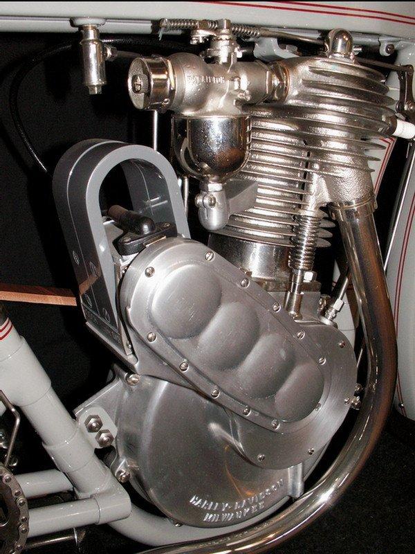 123: 1910 Harley-Davidson Model 6A - single cylinder  3 - 9