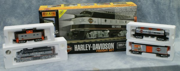 2: 4 pc set,  Rail King by MTH, Electric Trains Ready t