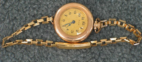 1020C: Lady's Elgin gold-filled wrist watch, gold-fille