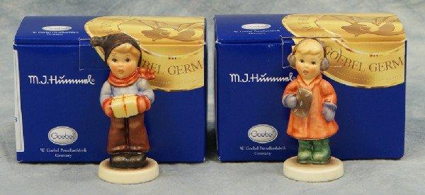 """6: 2 Hummel figurines: Sweet Treats - 2067A, 3 1/2"""" tal"""