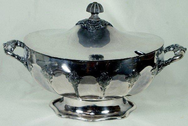 1029: Derby Silver Co quadruple silver plate covered tu