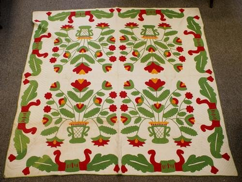 """1020: 4 block floral basket quilt, red and green, 89"""" x"""