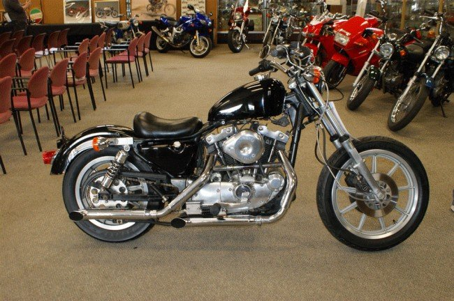 17A: 1982 Harley Davidson XL 1000cc, has title