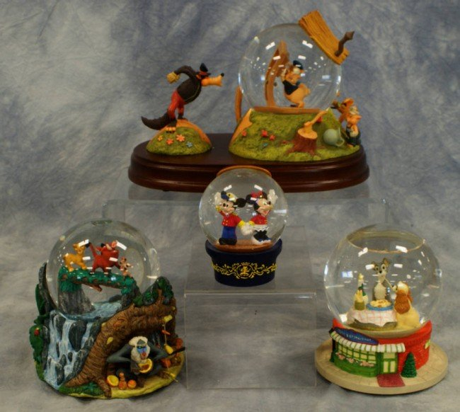11: (4) Snow globes, Three little pigs, the Lion King,