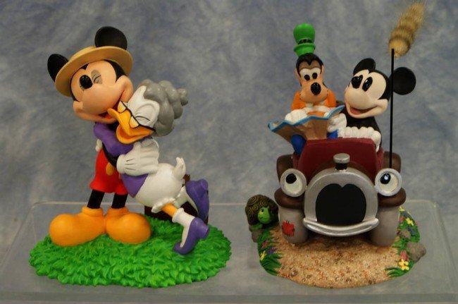 19: (2) Official Disneyana Convention figurines, Homewa