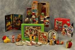 304 Disney related Christmas items including ornaments