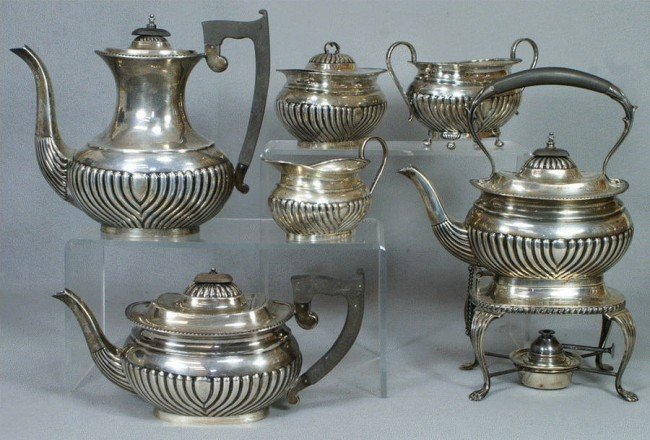 79: 6 pc English sterling silver teaset by E Viners, Sh
