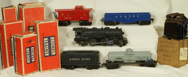 5: Lionel Scout Set with transformer, OB