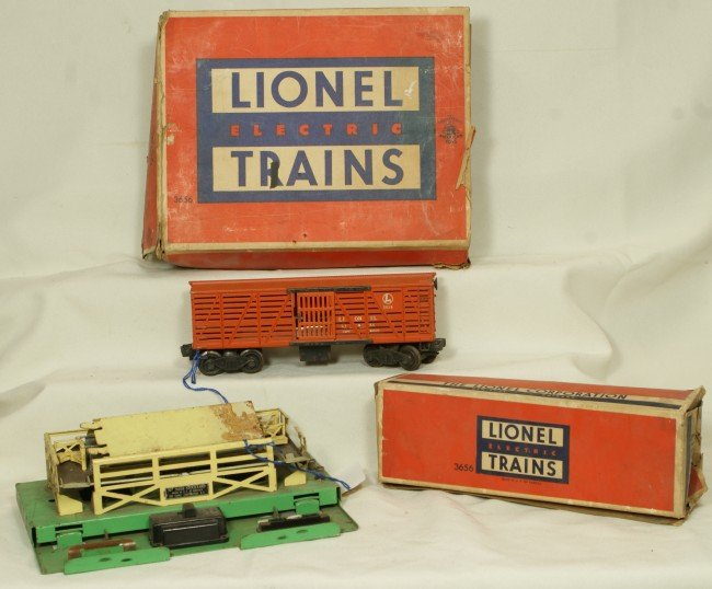 9: Lionel 3656 operating cattle car, OB