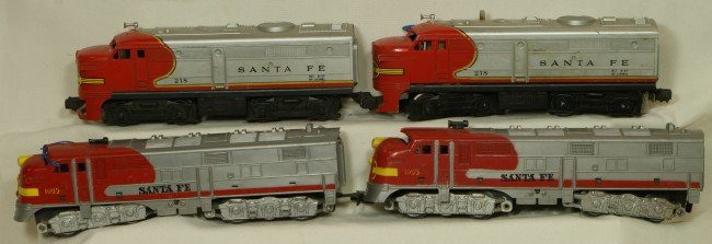 11: Lionel 218 Santa Fe engine, Marx 1095 Santa Fe car