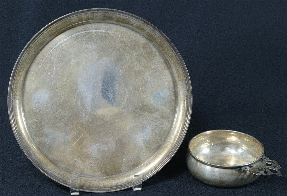 88: Round sterling plate and a porringer, 14.4 TO