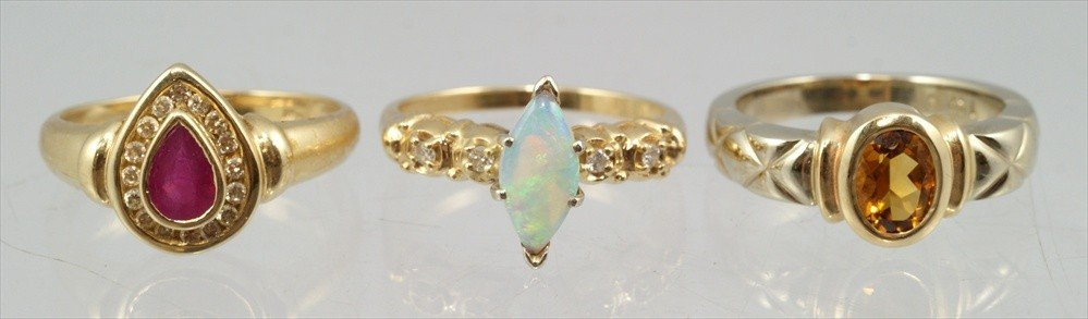 51: (3) 14K YG ladies rings with colored stones, light