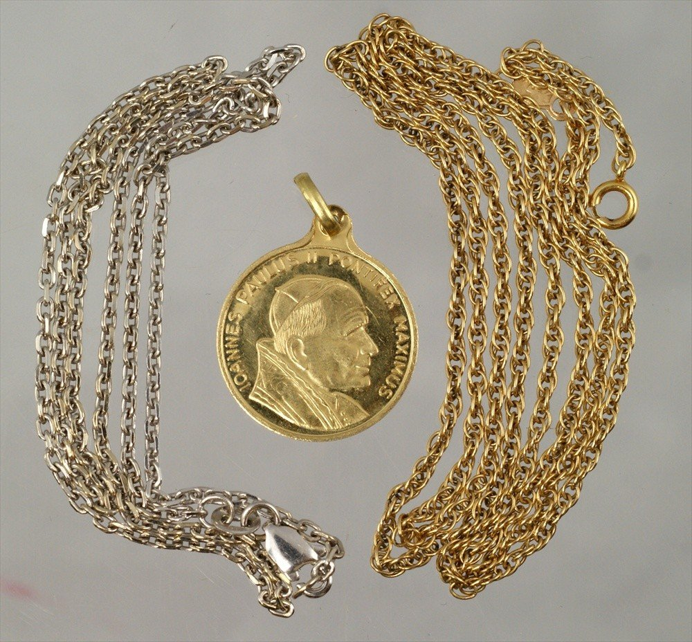 18: (2) 14K W&YG chains, 4.8 dwt, with an 18K YG papal