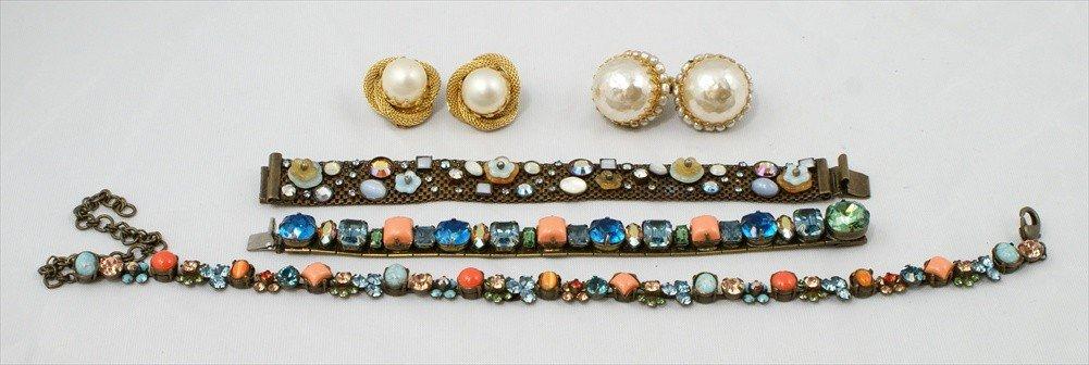18D: (3) Sorrelli costume pieces, 2 bracelets, 1 neckla