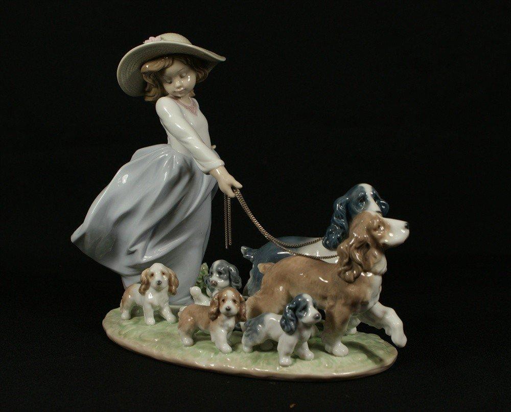 12: Lladro, Puppy Parade, Privilege figurine LZ65H, 367