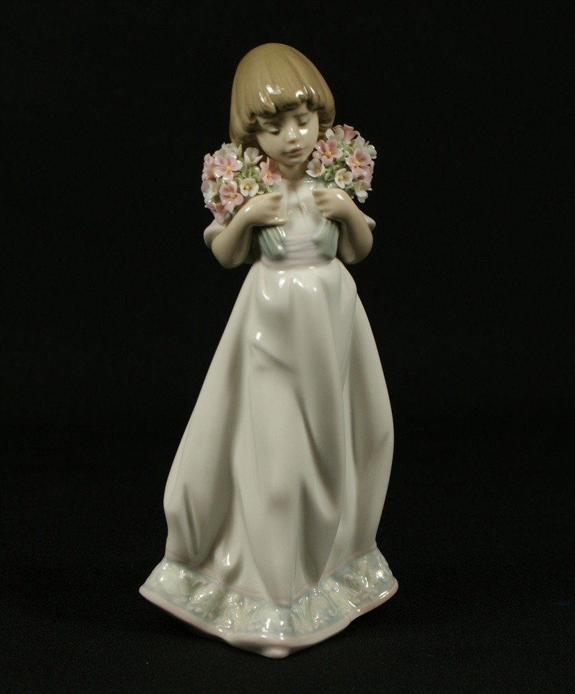 16: Lladro, Tailor Made, Lladro Collector's Society #64