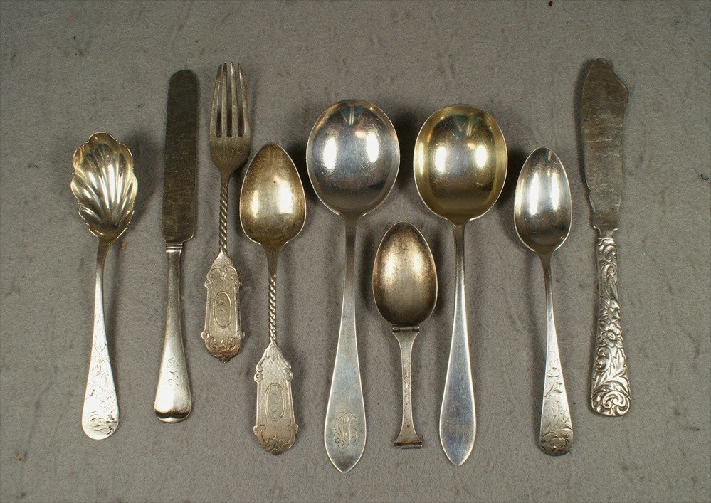 88: 9 pcs sterling silver flatware, 6 spoons, 2 knives,