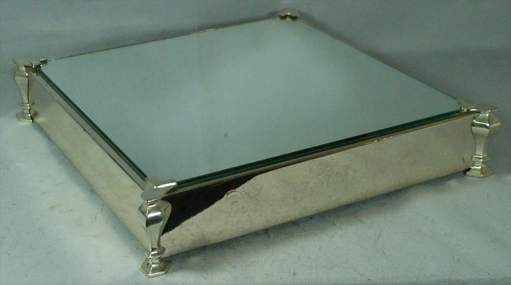 90F: Square plated silver mirrored plateau for a racing