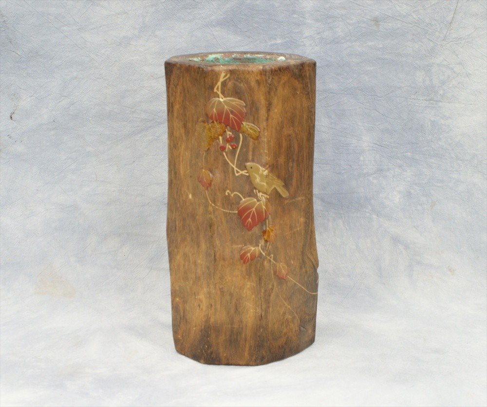 10037: Japanese naturalistic carved wood vase with lacq