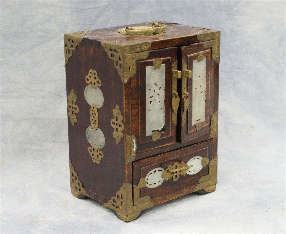 10100: Small Chinese hardstone & wood jewelry box, 20th