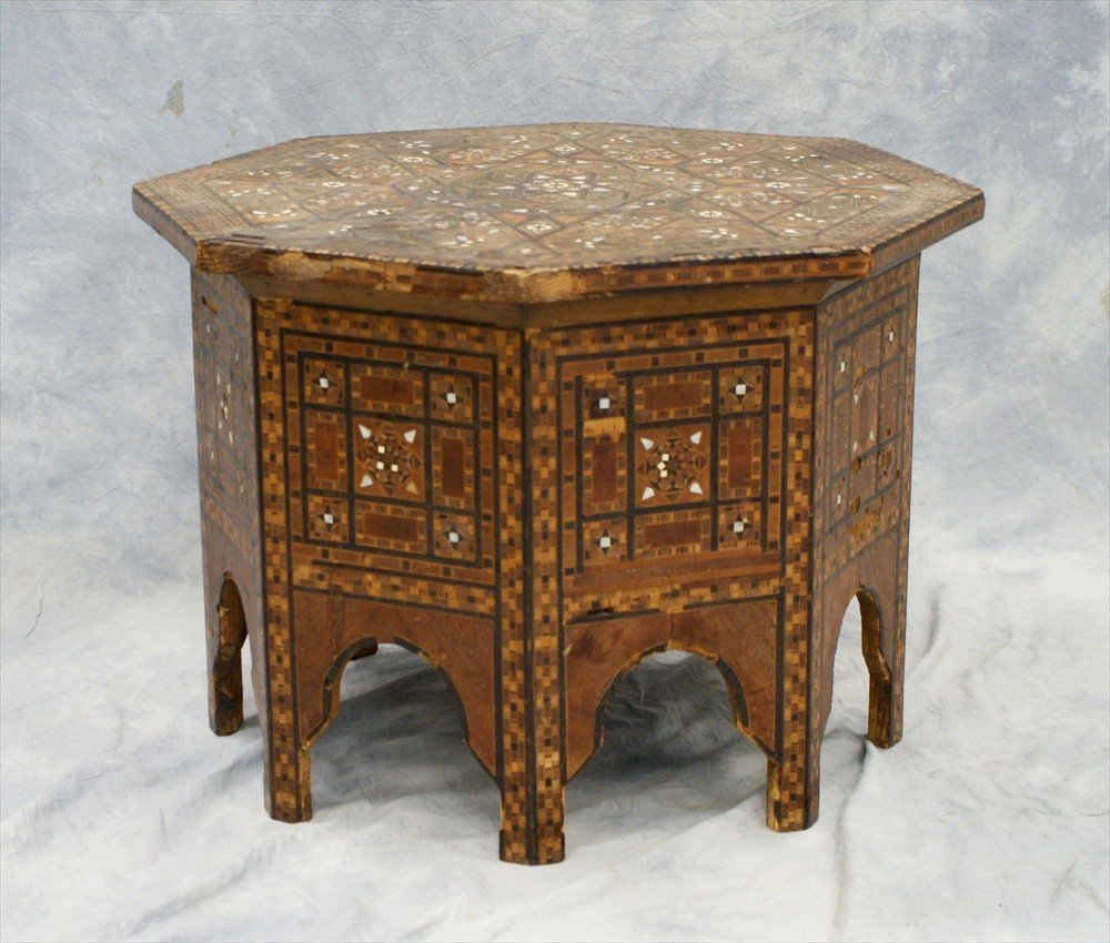 10116: Middle Eastern inlaid octagonal tabouret, circa