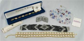 10093 5 piece costume jewelry lot consisting of black